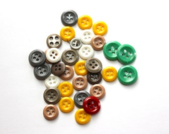 Vintage Buttons / Fun Pack Assortment / Multicolored 4-hole sew-thru / mixed sz / yellow/green/grey / 34
