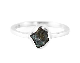 Raw Diamond Ring Green Diamond Ring Uncut Diamond Ring Engagement Ring Green Diamond Sterling Silver Ring Dainty Ring Wedding Ring