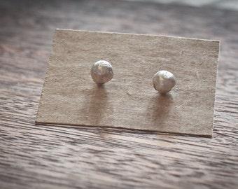 simple dot earrings - dot studs - simple earrings - everyday earrings - circle earrings - tiny earrings - sterling silver - nickel free