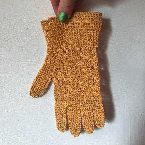 vintage gloves, crochet gloves, orange, cotton gloves, handmade lace shorties, wrist length, size 6, orange gloves, wedding, bridesmaid, 20s