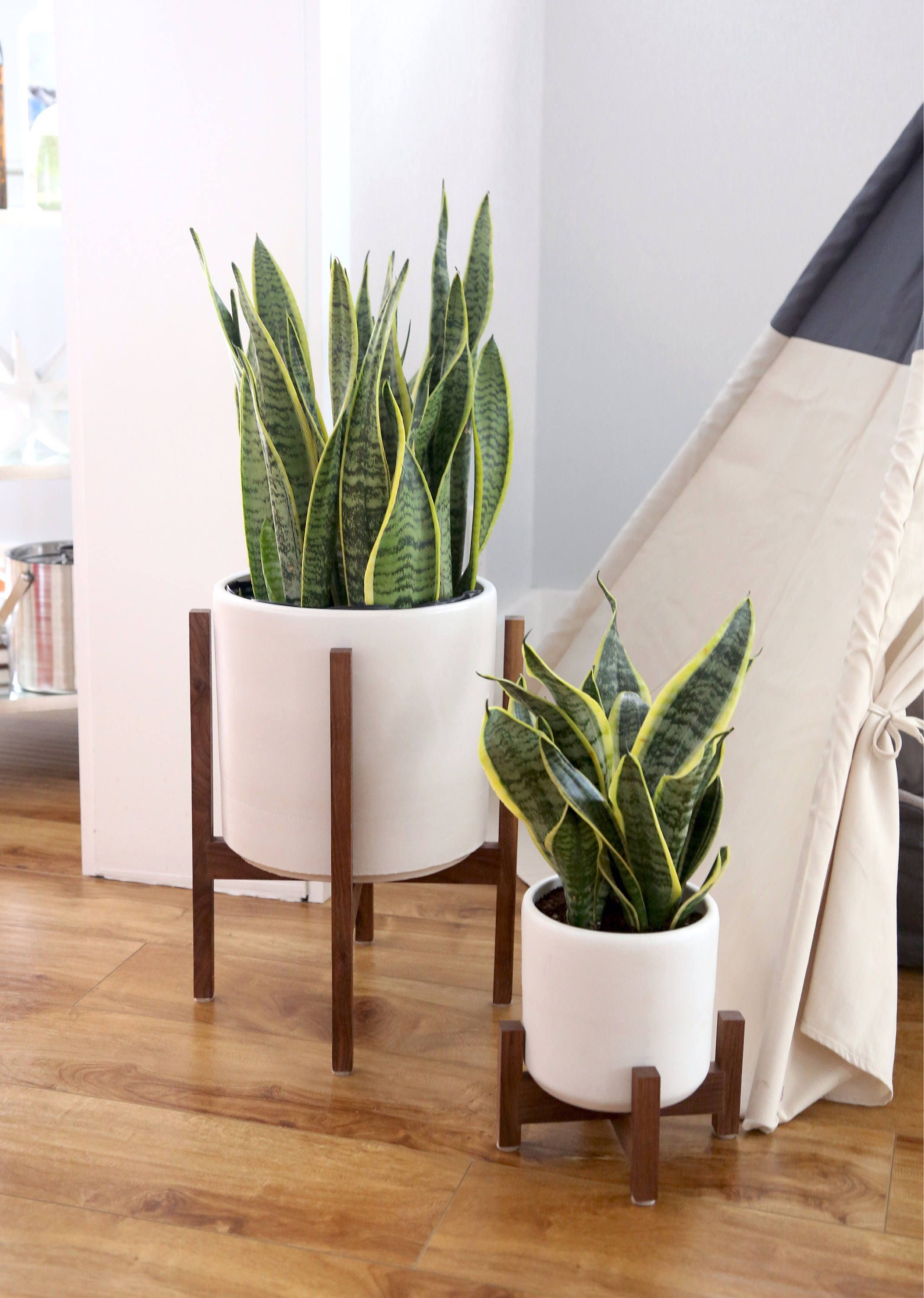 Wonderful Large Mid Century Modern Planter with solid Wood Plant Stand - 12  DG81