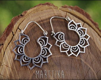 Silver Earrings. Tribal earrings. Ethnic style. Boho earrings. Lotus Flower. Lotus earrings. Lotus Jewelry. Gypsy Earrings