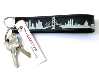 SAN FRANCISCO keychain, unique key wristlet, upcycled tire inner tube, vegan green gift, keyring San Francisco Skyline, handmade by 44spaces