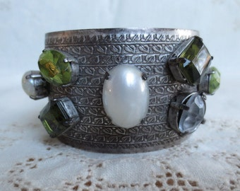 Stunning Vintage Cuff Bracelet with Green and White Glass
