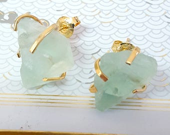 Raw Stone Earrings, Mint Green Gold Raw Fluorite Stud Earrings, Natural stone organic Fluorite Post earrings, Gold Gemstone Earrings