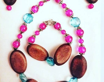 Pink Glass Bead and Wood Jewelry Set