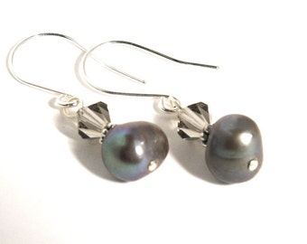 Grey Pearl and Swarovski Crystal Earrings - Free Shipping Canada and Continental US