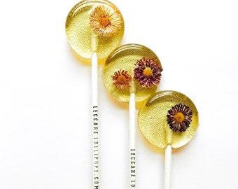 Daisy Flower Lollipops // 20 Edible Flowers Lollipops // Summer Weddings // Fall Wedding // Spring Flower Lollipops // Leccare Lollipops