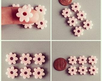 6x laser cut acrylic flower cabochons In light pink