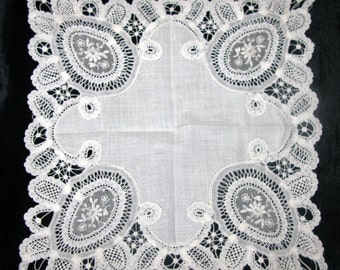 Hankerchief Wedding / Lace Handkerchiefs / Antique Bridal Hankies / Tears of Joy Hankerchief for Bride