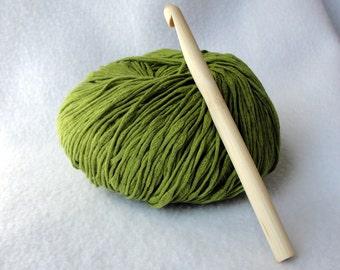 Large Bamboo Crochet Hook, Bamboo crochet hook, size  PQ/12mm