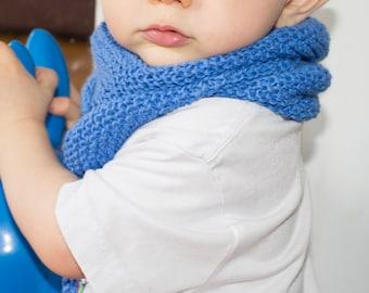 Chèche, châle triangulaire tricoté, bébé taille unique ( environ 0-24 mois ) réalisé à la commande