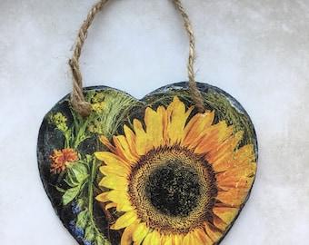 Sunflower hanging heart, sunflower lover gift, floral decor, home decor, kitchen decor
