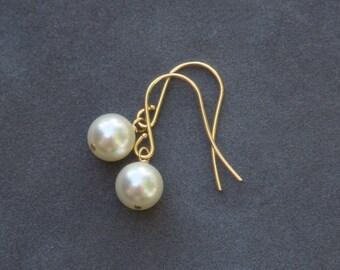 Gold Pearl Drop Earrings, Cream Pearl Bridal Jewelry, Drop Pearl Earrings, Dangle Bridesmaid Earrings