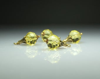 Bead Dangles Dew Drop Vintage Yellow Glass Set of Four Y0001