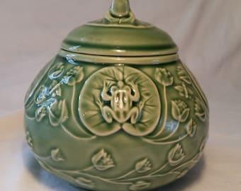 Bordallo pinheiro green frog sugar bowl/frog sugar bowl/green bordallo pinheiro/vintage ceramic sugar bowl