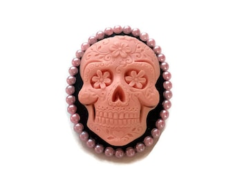 Day of the Dead Brooch, Rockabilly pink and black skull cameo pin, Pink Sugar Skull Brooch, Dia de los Muertos