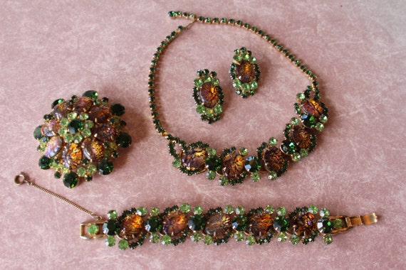 Juliana D&E Delizza and Elster Green Cat Eye Parure