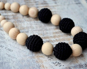 Black Nursing necklace, Black Teething jewelry,For new mommy,Crochet bead,Eco Safe Jewelry,Earth earthy,Babywearing accessory,Gift for mom