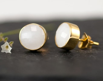 Round White Agate Gold Stud Earrings, Simple White Gemstone Studs, Bridesmaid Jewelry, Bridal Party Gifts, Jewelry Trends, Gold Post Earring