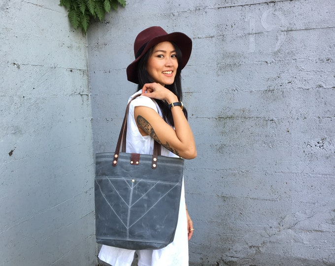 Sophie - Over the shoulder waxed canvas tote