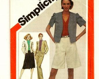 A Short, Princess Seam Jacket, Walking Shorts, Front Pleated Skirt & Straight Leg Pants Pattern for Women: Uncut - Size 12 • Simplicity 5105