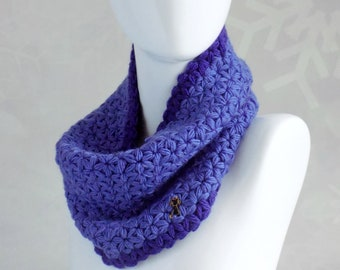 Blue chunky knit cowl Wool scarf Crochet women scarf Blue knit cowl Soft and warm chunky knit scarf Handknitted wool scarf Gift for women