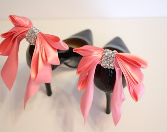 ON SALE - 38 instead of 42 -  coral/salmon pink Bow Shoes clips with  rhinestones