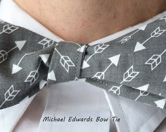 Grey Arrow Print Tie, Grey Arrow Bowtie, Freestyle Bow Tie, Mens Grey Bow Tie, Mens Gray Bow Tie, Men Grey Bowtie, Self-Tie Bow Tie, Bow Tie