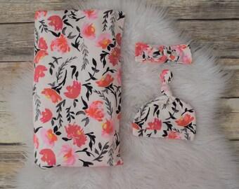 Floral Swaddle blanket/Floral/Swaddle/Red flower swaddle/Gray/Red/Flower/Girl swaddle blanket/Girl baby blanket