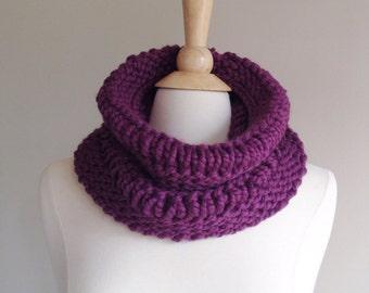 purple knit scarf, knit chunky scarf, knit infinity scarf, chunky cowl scarf, purple circle scarf, ultra violet scarf, wool neckwarmer