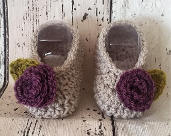 crochet baby child shoes  mary jane booties wool purple cream pram shoes flowers leaves feet new baby gift  baby shower photo prop