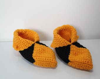 booties in yellow and black crochet wool size 36-37