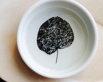 Black Skeleton Leaf Ring Dish, Leaf Ceramic Dish, Nature Lover Gift, Botanical  Engagement Gift, Jewelry Tray, Desk Organizer