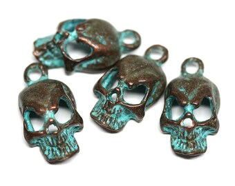 Metal skull charms Green Patina Copper skull beads Greek metal casting Skeleton charms 18mm Lead Free - 4pc - F261