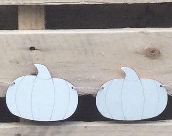 Cute laser cut wood Halloween pumpkin heads in packs of ten for bunting garland