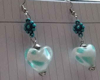 Czech glass bead. Hand crafted earrings, smoke free home. Free shipping within Canada.