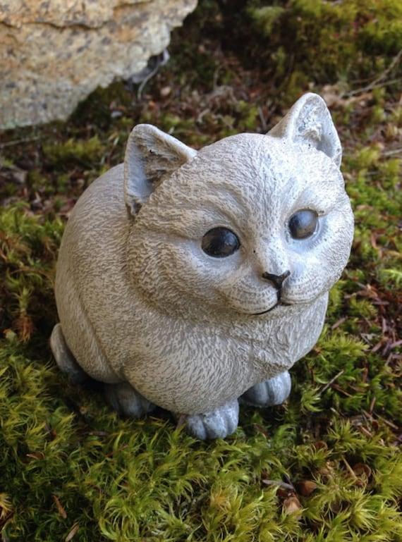 Cat Statue, Chubby Kitty Cement Figure, Painted Feline Art, Concrete Garden  Statue, Garden Decor