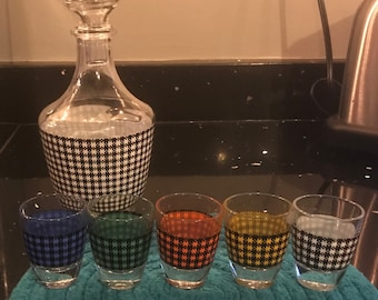 Mid Century Hounds tooth Decanter and Shot Glass Set - Verrierie Cristallerie D'Arques -France