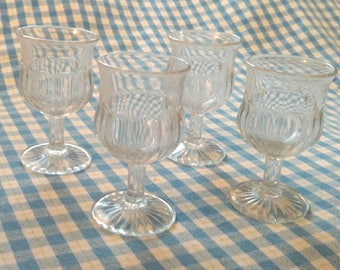 Clear Sherry Glasses / Cordial Glasses / Set of 4 / Vintage Sherry Glasses / Cut Glass Cups / Footed Pedestal / Gift for Mom / Hostess Gift