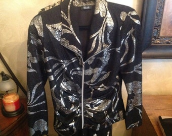 Dressy light weight jacket with zip front