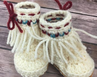 Baby Moccasin Boots, Baby Fringe Boots, Crochet Booties, Baby Booties, Baby Shoes, Crochet Baby Shoes, Baby Photo Prop, Baby Gift