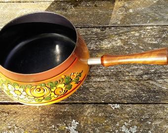 vintage sauce pot fondue pot sauce pan enmeled stoneware cooking ware enamel kitchenware wooden handle folk art floral design