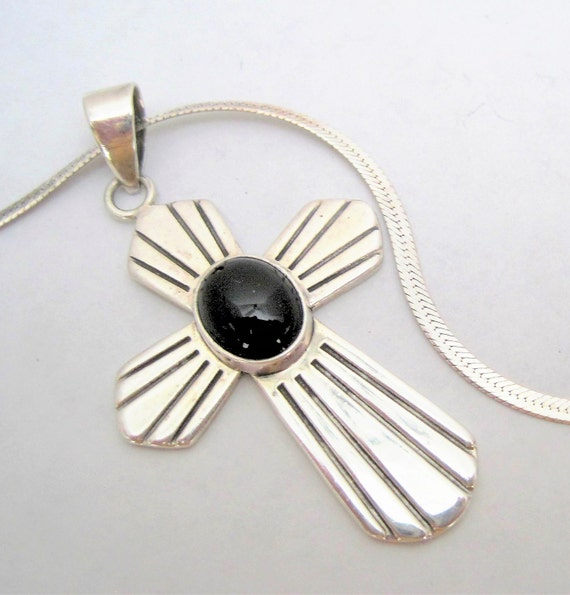 """Sterling Mexico Necklace - 925 Pendant - Onyx Center - 18"""" Sterling Serpentine Chain"""