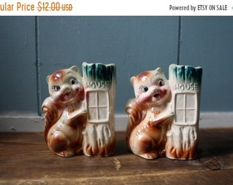 ON SALE A pair of 1950's ceramic squirrel planters / Kitchy home decor / nursery office decor