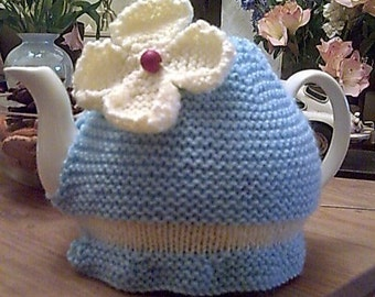 Knitted Daisy Tea Cosy/Cosy in Blue