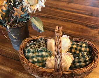 New Homespun Plaid Ornies Bowl Fillers Rag PrImITive Hearts Tan Green Handmade Rag Quilt Country Rustic