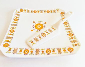 Mid Century Orange Flower Cake Plate and Server - Square Retro Cake Stand - Ceramic Made in Japan - 1970s