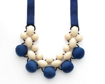Geometric Necklace / Wood Jewelry / Bib Necklace / Wooden Necklace / Bead Necklace / Statement Necklace / Beaded Necklace / Natural Jewelry