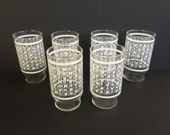 Set of 6 Drinking glasses - retro
